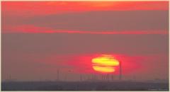 Активное Солнце. Промышленный пейзаж и страшное Солнце