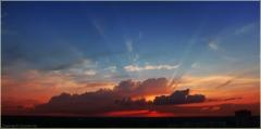 Фото солнечных лучей, проходящих через облака. Фотографии красивых закатов