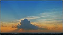 Глыба. Фото облаков на закате