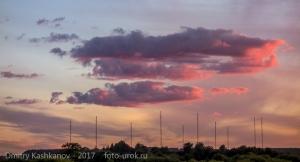 Антенное поле и вечерние облака