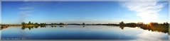Закат над озером. Панорама высокого разрешения. Красивые фото природы