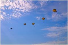 Прыжки с парашютом. Картинки