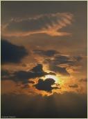 Закат тучи. Приближается гроза. Фото неба и облаков