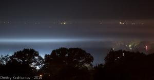 Ночное фото с подсвеченным туманом