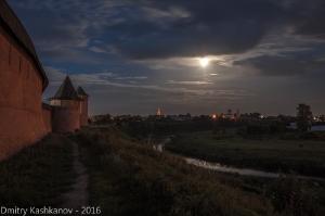 Фото лунной ночи в Суздале