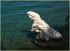 Фотография скалы в виде динозавра. Мармарис. Турция