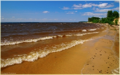 Горьковское море. Фото высокого разрешения. Песчаный пляж