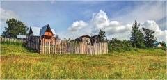 Лето в деревне. Дачный участок на косогоре