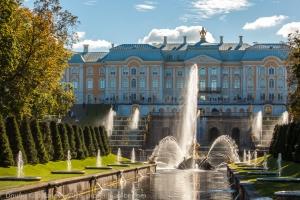 Петергоф. Фото большого каскада и дворца