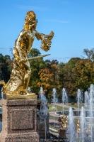 Петергоф. Статуя Большого каскада