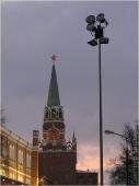 Башня Московского кремля. Прожектор. Ночная Москва