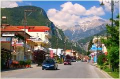 Греция. Городок у подножья горы Олимп