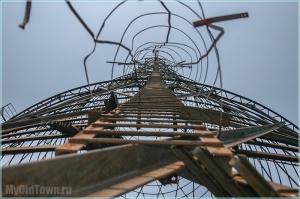 Часть башни Шухова уже сдали в утиль