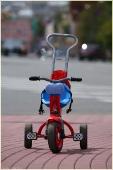 Велосипед на площади Минина. Фотографии Нижнего Новгорода