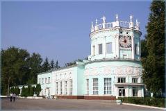 Здание детской железной дороги. Достопримечательности Нижнего Новгорода. Фото