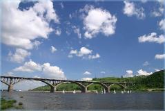 Молитовский мост через Оку. Яхты. Достопримечательности Нижнего Новгорода. Фото