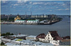 На стрелке далекой. Слияние Оки и Волги. Фото Нижнего Новгорода