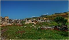 Фото античной крепостной стены. Античный Хиераполис. Турция