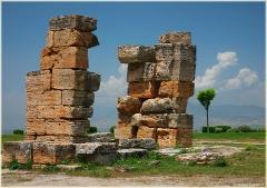 Античные постройки. Руины древнего города. Хиераполис. Турция