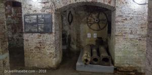 Музей истории фонтанной системы Петергофа. Трубы, затворы