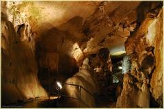 Экскурсия в пещеру. Мраморная пещера в Крыму. Фото пещер