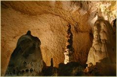 Каменные изваяния пещер. Экскурсия в пещеру. Мраморная пещера в Крыму. Фото пещер