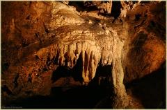Каменные своды пещеры. Фото сталактитов. Красная Пещера В Крыму. Фото пещер