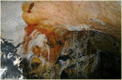 Тьма пещеры. Пещера Эмине Баир Хосар в Крыму. Фото пещер