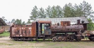 Фото старого паровоза. Музей в Переславле-Залесском