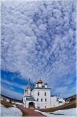 Весеннее небо. г. Гороховец, мужской монастырь