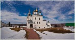 Город Гороховец Владимирской области. Монастырь. Весна