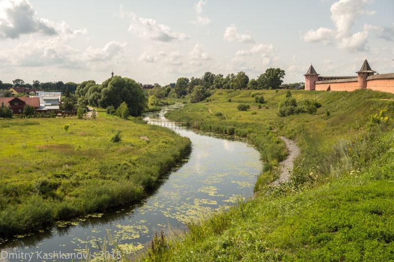 Суздаль. Спасо-Ефимьев монастырь и река Каменка