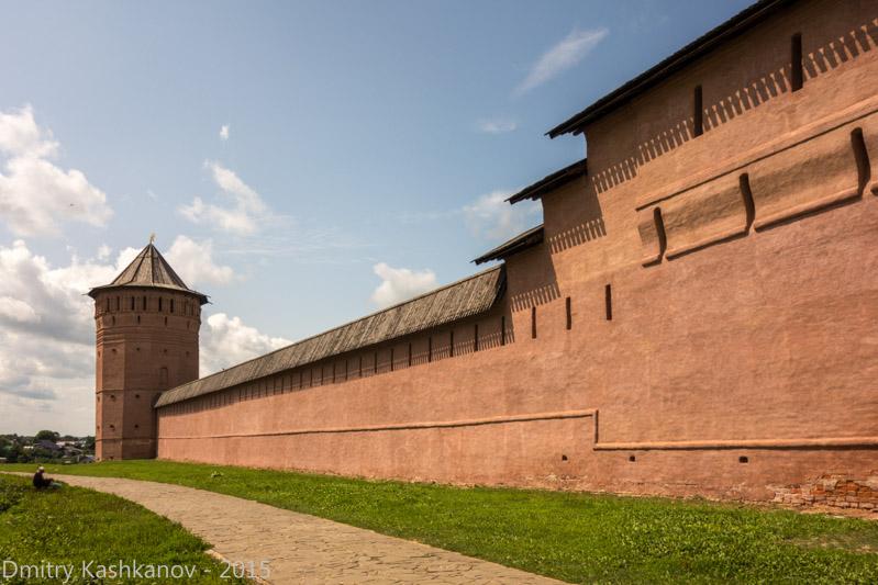 Суздаль. Спасо-Ефимьев монастырь. Фотография стены и башни