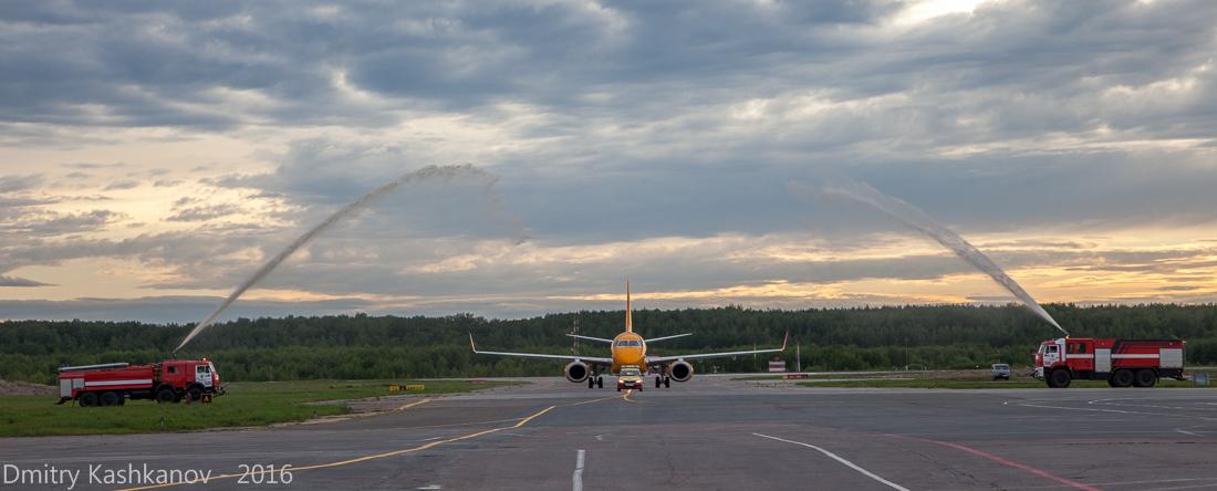 споттинг 2016 в нижегородском аэропорту. Самолет Саратовский авиалиний впервые садится в Нижнем Новгороде