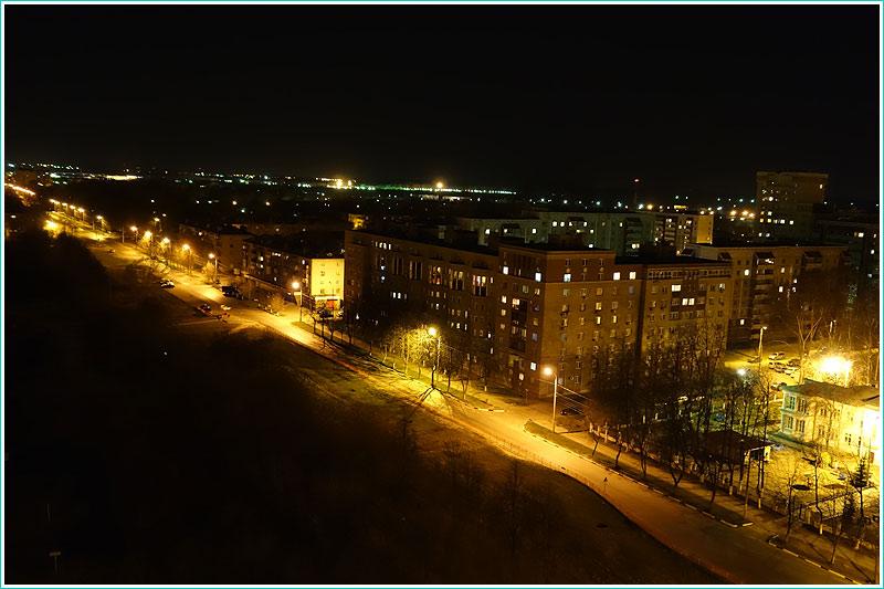 ночная фотография, сделанная в автоматическом режиме с отключенной вспышкой фотоаппаратом Sony DSC-RX100